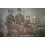 Петро Ольховий (перший ліворуч)